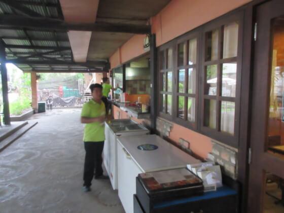 フィリピン短期語学留学クラークAELC(レストラン) (4)