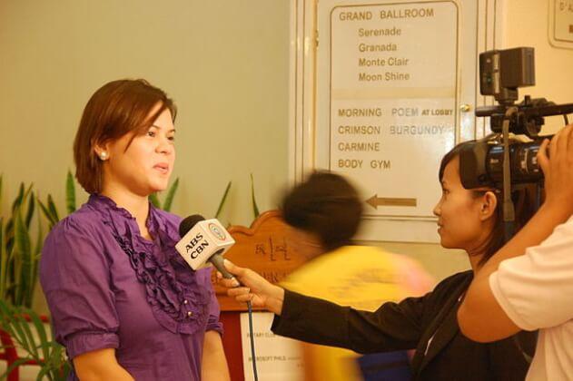フィリピン大統領の娘サラ氏