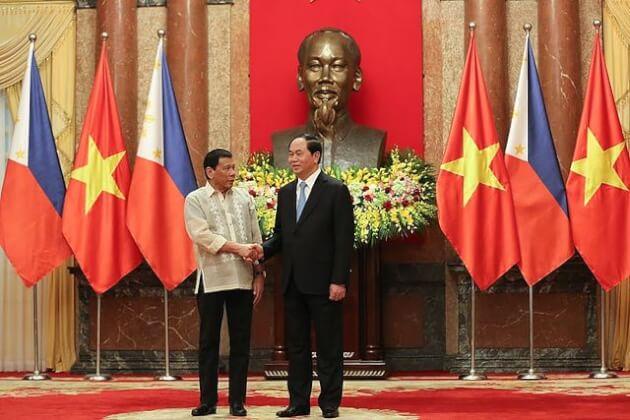 会談を行うフィリピン大統領