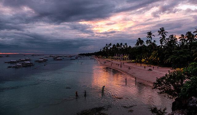 フィリピンのアロナビーチ