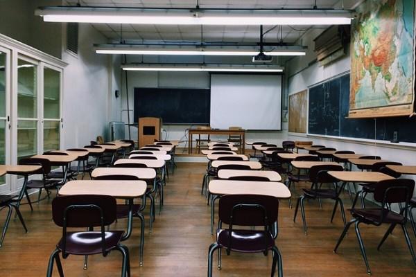 語学学校の大規模校と小規模校の違い
