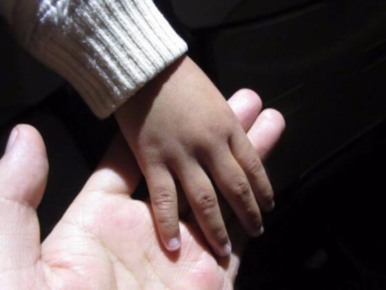 フィリピン人の手