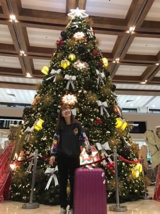 空港のクリスマスツリー