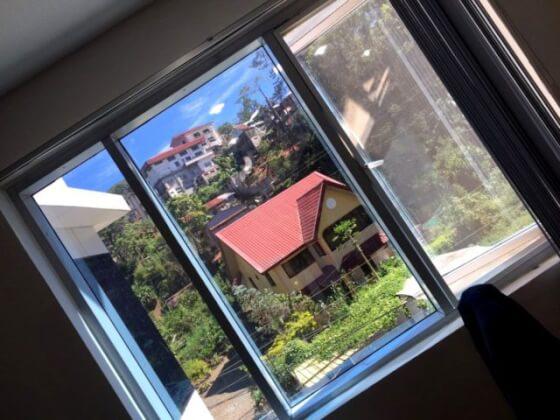 バギオパインスの窓