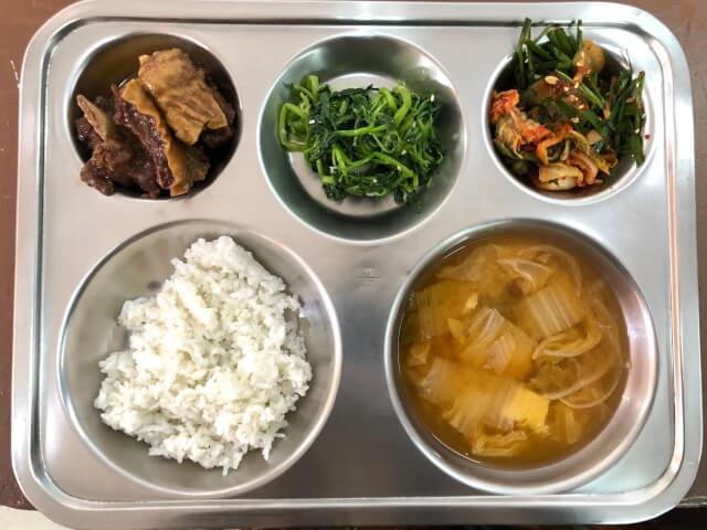 TALK食事3