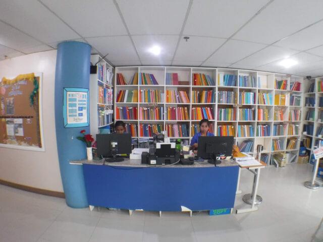 教科書の販売