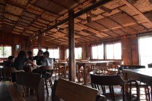 マウントカルゴンカフェ