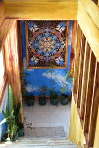 ルーフレスアートスタジオ最上階への階段
