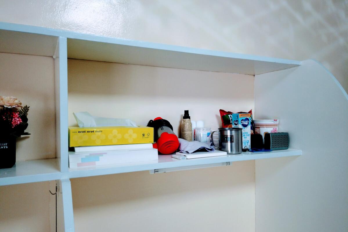 勉強机の棚